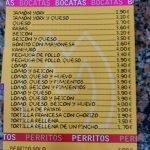 Bocatas y perritos bar Mora Santander